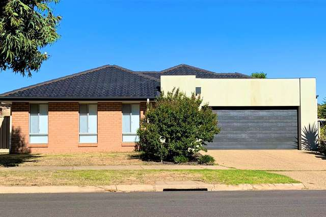 42 Greta Drive, Hamilton Valley NSW 2641