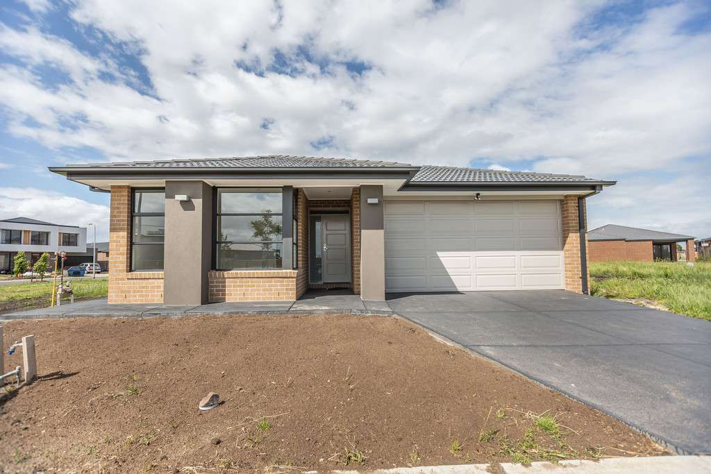 Main view of Homely house listing, 10 Rainwater Drive, Lyndhurst, VIC 3975