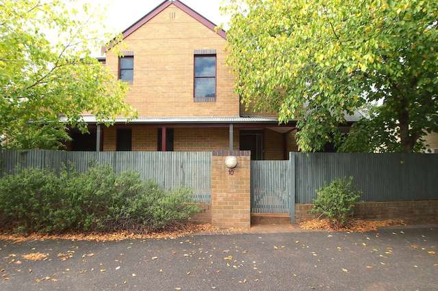 10/19 Troopers Mews, Holsworthy NSW 2173