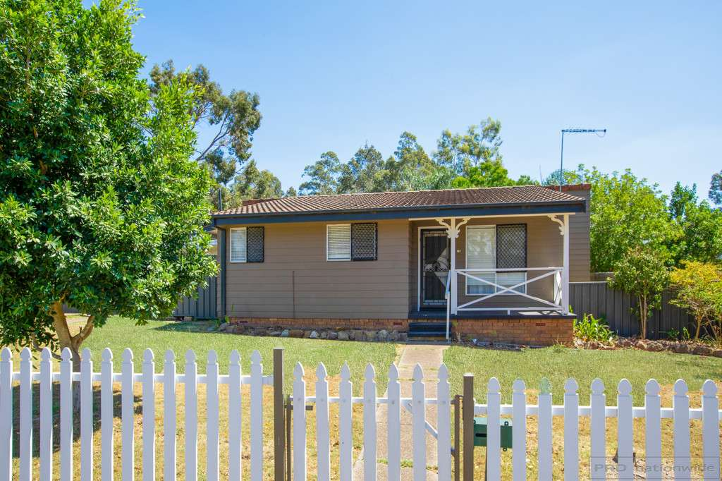 Main view of Homely house listing, 15 Willow Drive, Metford, NSW 2323