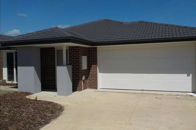 14 Kingscliff Avenue, Clyde VIC 3978