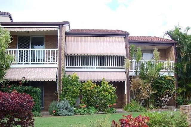 Unit 2/6-8 Beach Road, Pialba QLD 4655