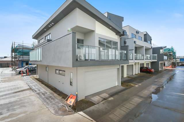 19 Topal Drive, Officer VIC 3809