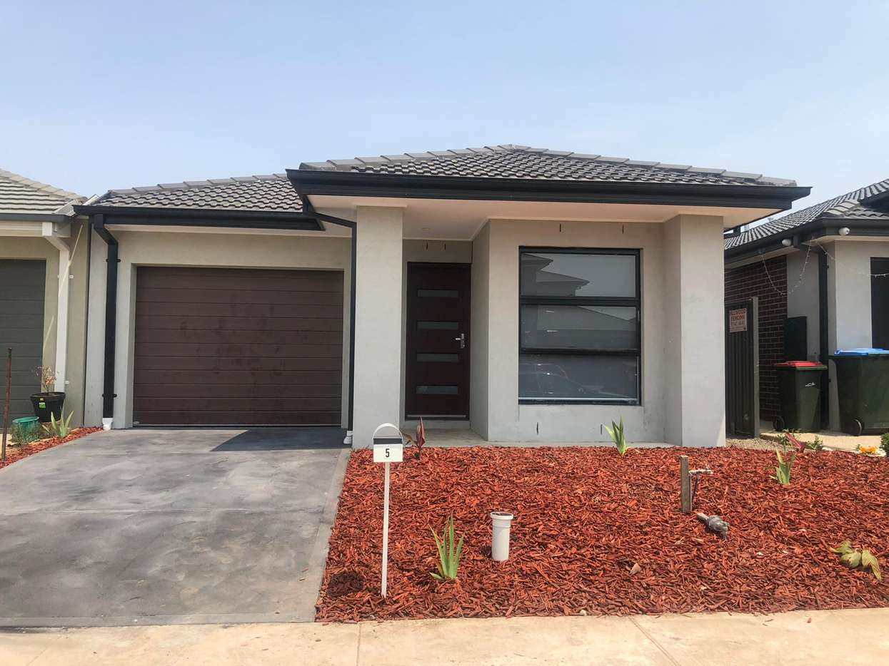 Main view of Homely house listing, 5 Manda Circuit, Tarneit, VIC 3029