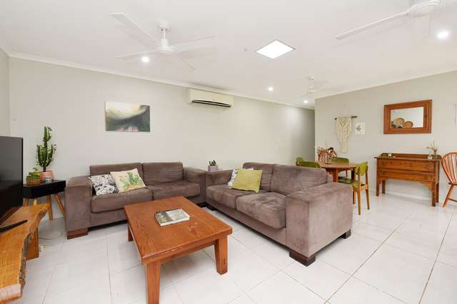 2/9 Sairs Street, Glass House Mountains QLD 4518