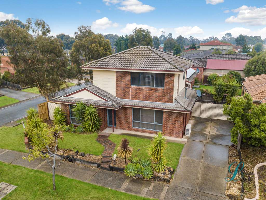 Main view of Homely townhouse listing, 92 Sorbonne Drive, Sunbury, VIC 3429
