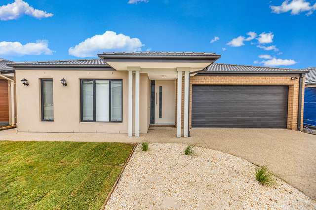 63 Belcam Circuit, Clyde North VIC 3978