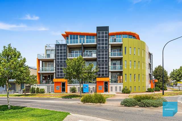 1/2 The Esplanade, Caroline Springs VIC 3023