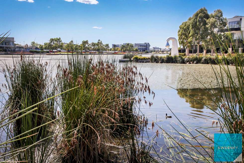 Fourth view of Homely apartment listing, 1/2 The Esplanade, Caroline Springs VIC 3023
