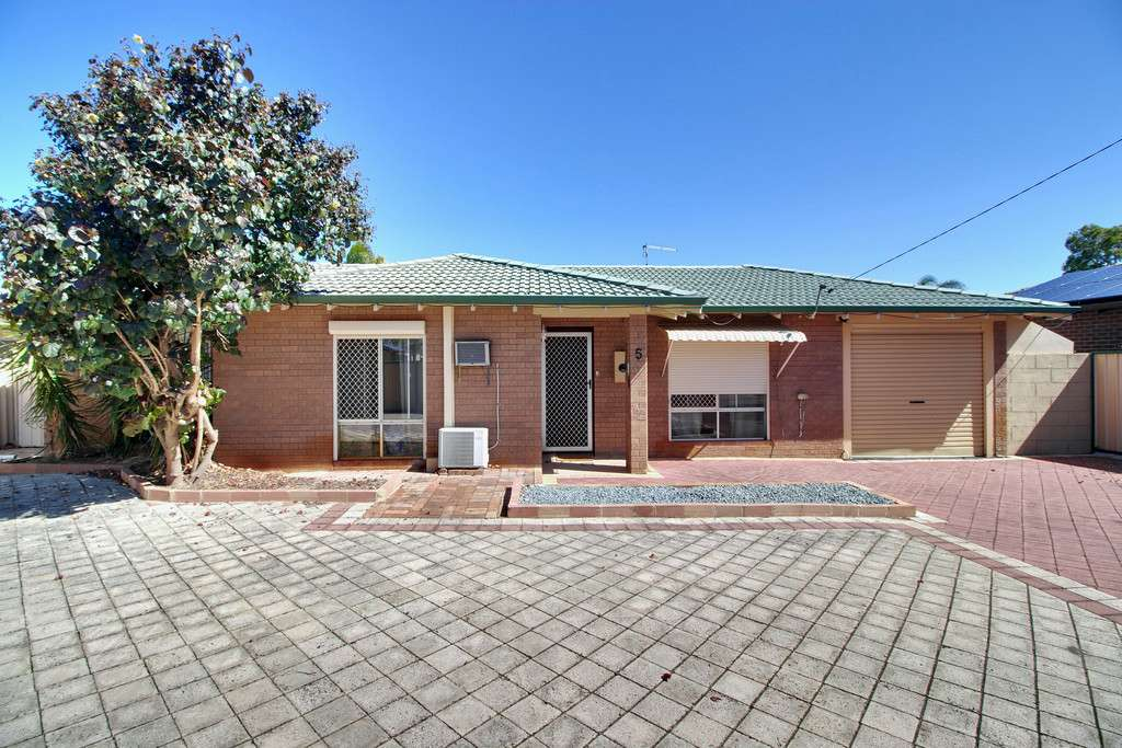 Main view of Homely house listing, 5 Goongarrie Drive, Waikiki, WA 6169