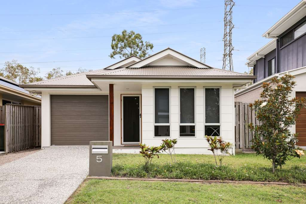 Main view of Homely house listing, 5 Tasman Boulevard, Fitzgibbon, QLD 4018