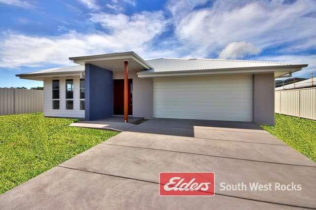14 Shamrock Ave, South West Rocks NSW 2431