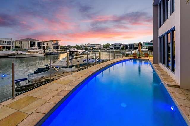 18 Regents Court, Sovereign Islands QLD 4216