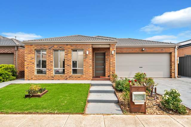 19 Firecrest Road, Manor Lakes VIC 3024