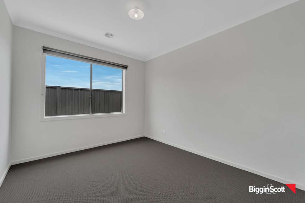 Fifth view of Homely house listing, 17 Headingley Grove, Strathtulloh VIC 3338
