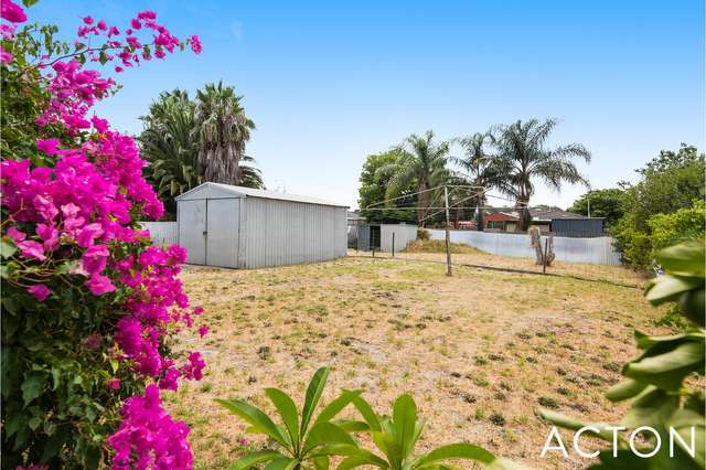 15 Toledo Close, Cannington WA 6107