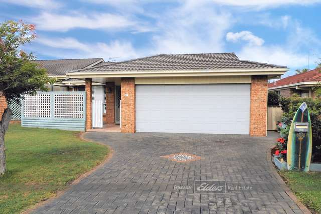2/1 Smiths Close, Forster NSW 2428