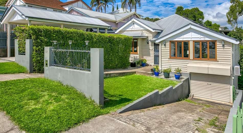 37 Bramston Terrace, Herston QLD 4006