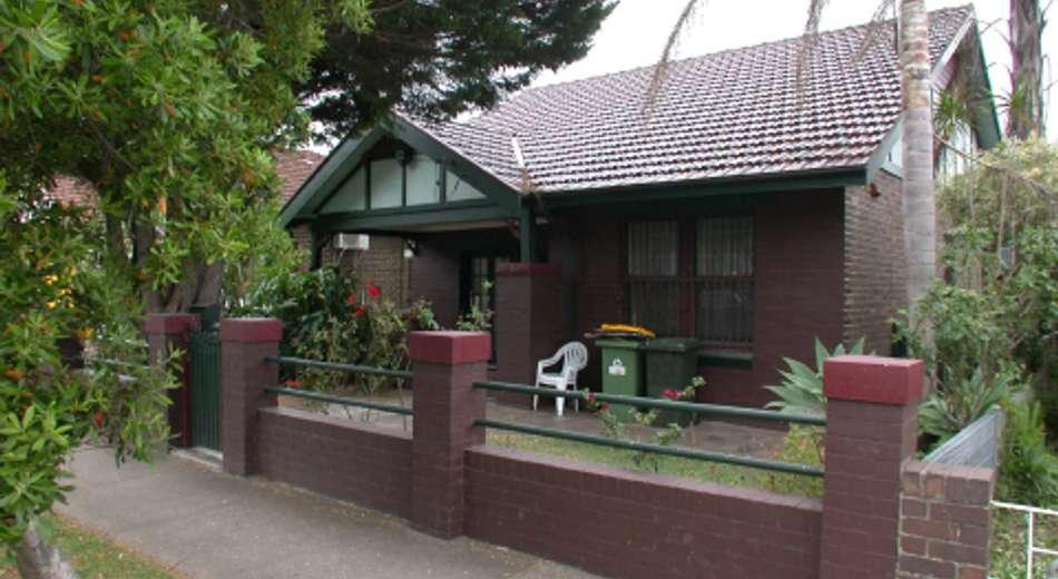 19 Loftus Crescent, Homebush NSW 2140