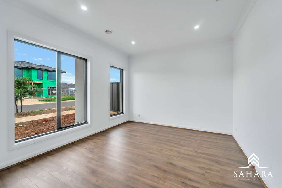 Second view of Homely house listing, 3 Headingley Grove, Strathtulloh VIC 3338