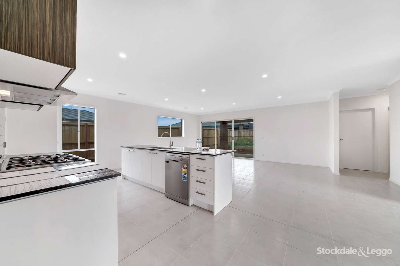 Seventh view of Homely house listing, 38 Amaretto Circuit, Manor Lakes VIC 3024