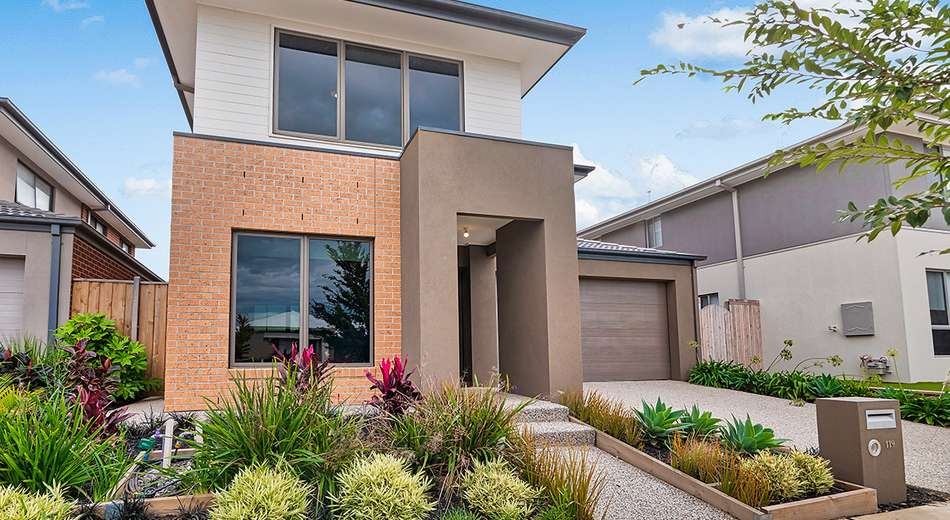 119 Thoroughbred Drive, Clyde North VIC 3978