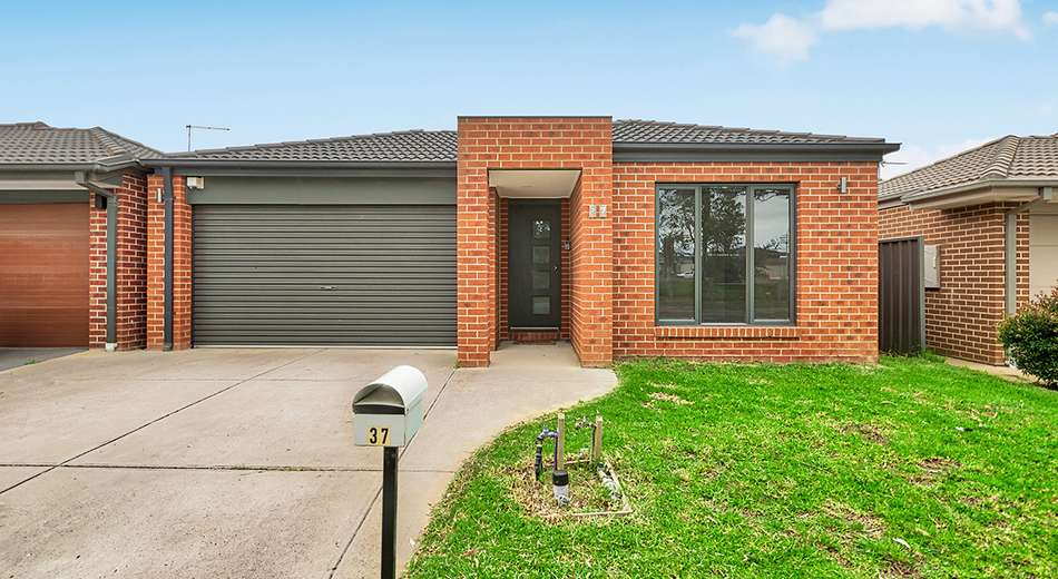 37 Barossa Drive, Clyde North VIC 3978