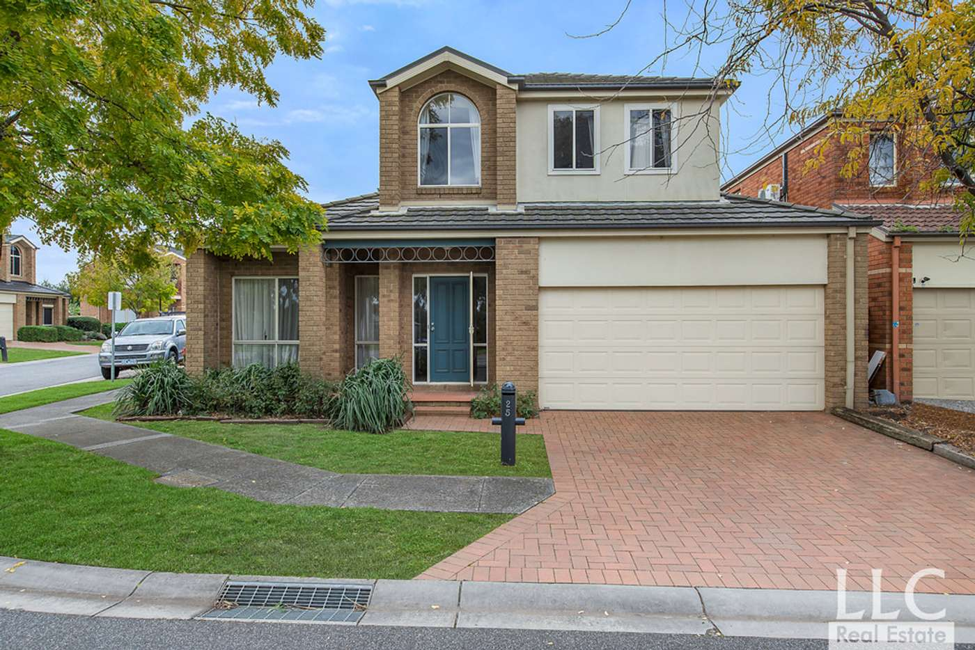 Main view of Homely townhouse listing, 25 Amhurst Drive, Narre Warren South VIC 3805