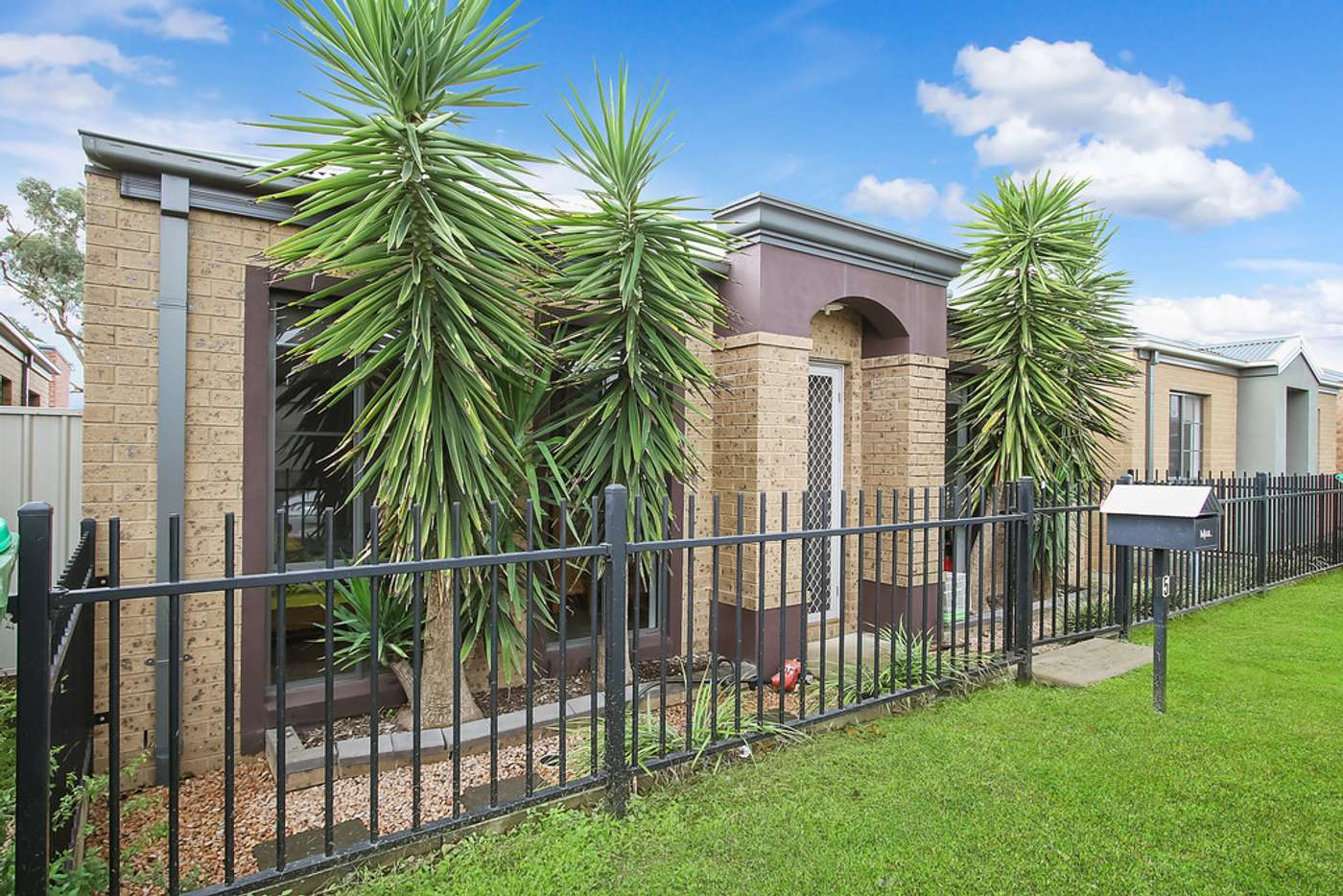Main view of Homely house listing, 5 Macquarie Road, Wodonga VIC 3690