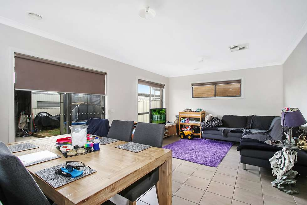 Third view of Homely house listing, 5 Macquarie Road, Wodonga VIC 3690