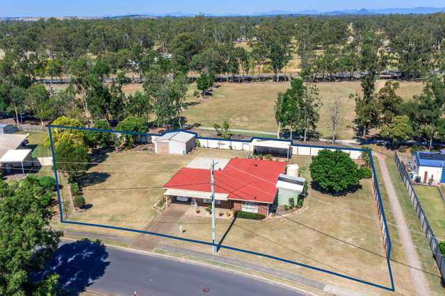10 Flame Tree Court, Walloon QLD 4306