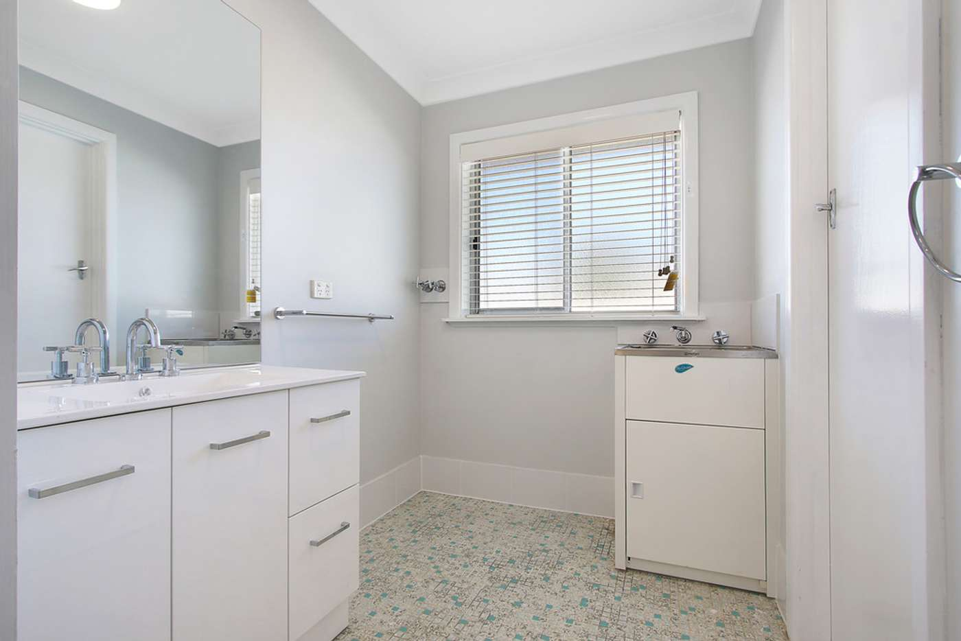 Sixth view of Homely unit listing, 3/461 Prune Street, Lavington NSW 2641