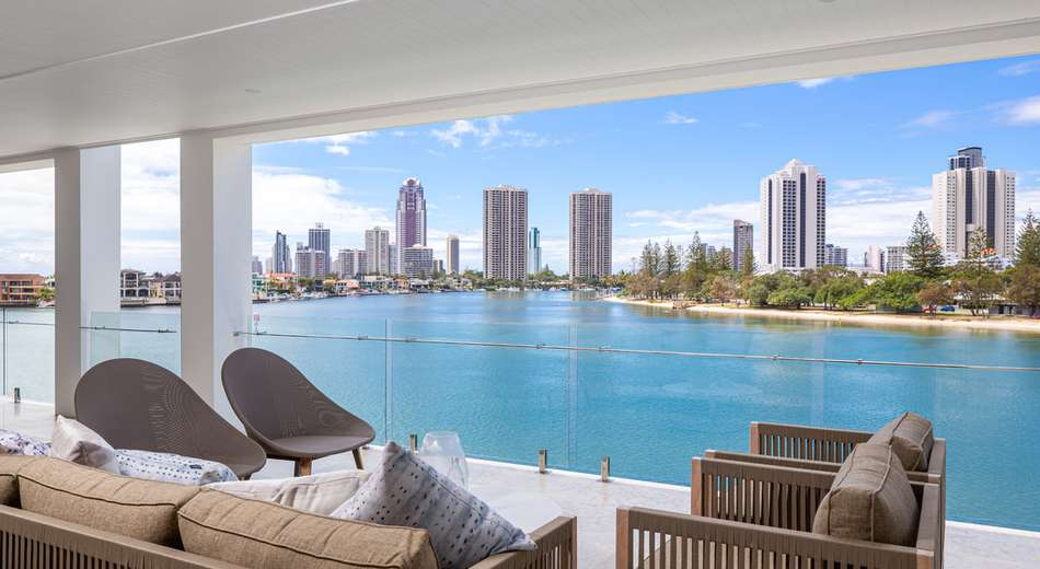 3/83-85 'River Isles' Stanhill Drive