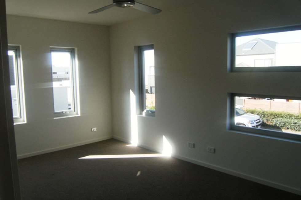 Fifth view of Homely apartment listing, 5/2 The Esplanade, Caroline Springs VIC 3023