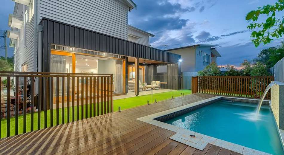 16 Dovedale Crescent