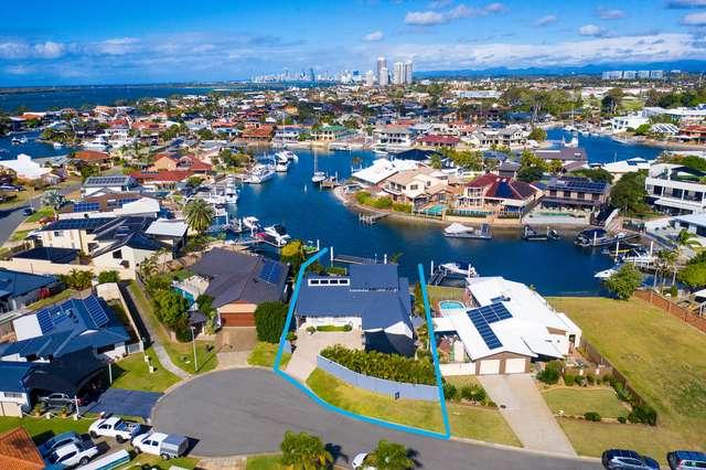 6 Wewak Avenue, Runaway Bay QLD 4216