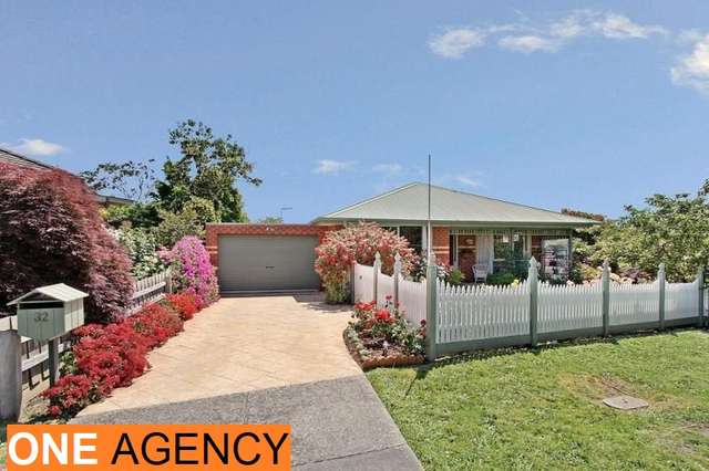 32 Fairlawn Place, Bayswater VIC 3153