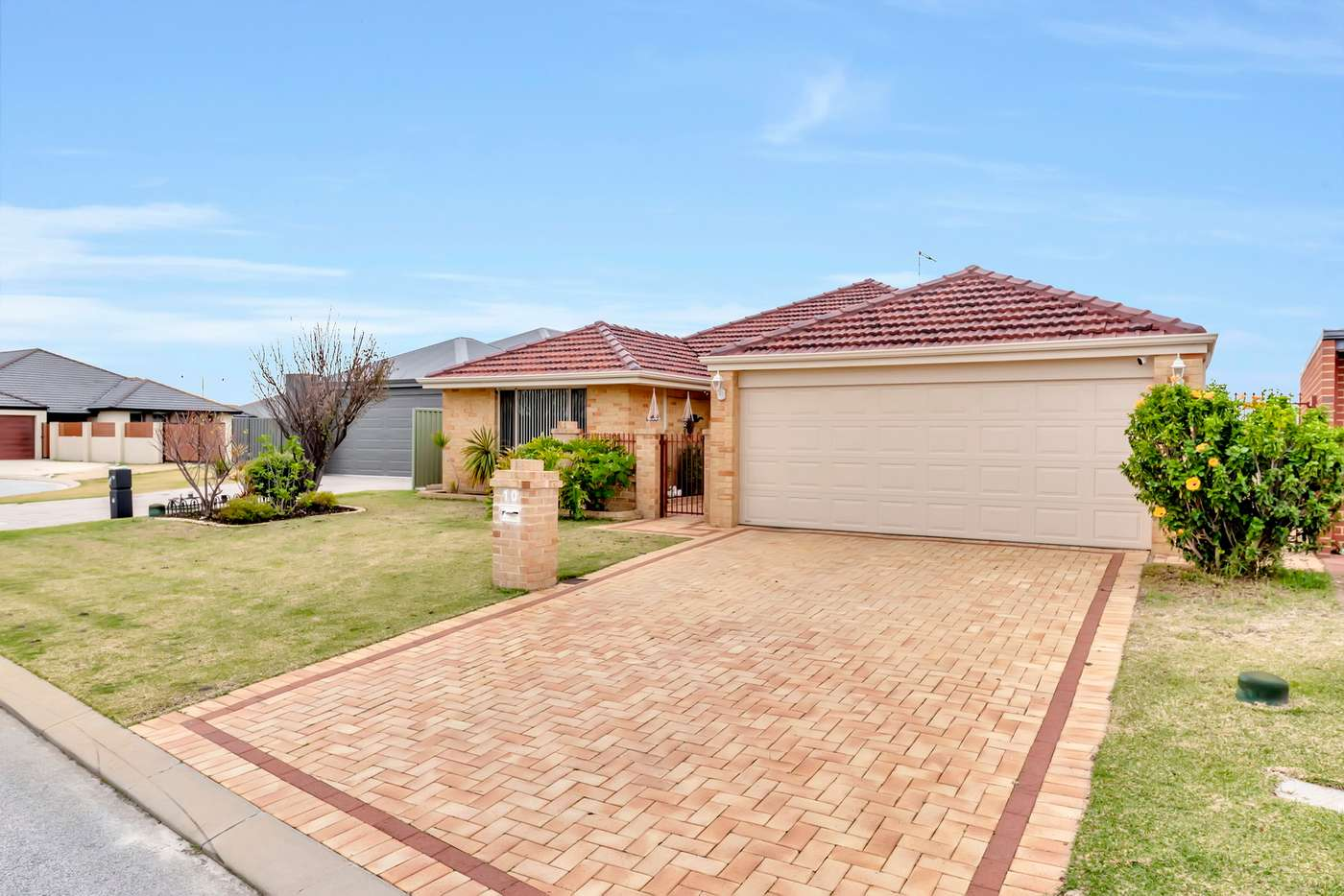 Main view of Homely house listing, 10 COOEYUP CLOSE, Ravenswood WA 6208