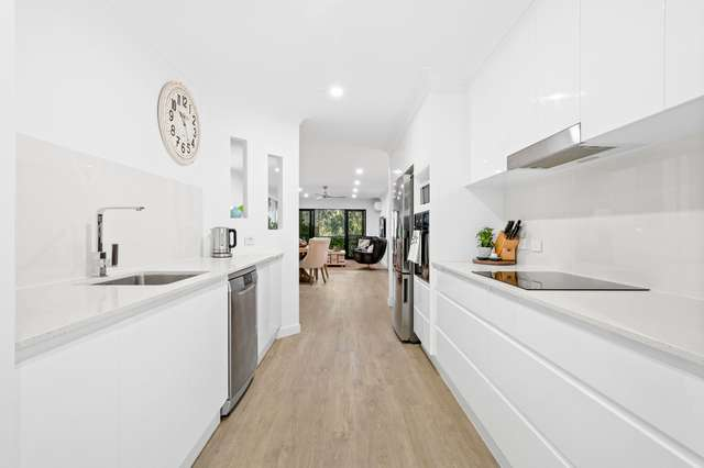 E7/1 Great Hall Drive, Miami QLD 4220