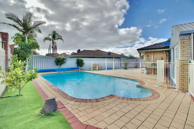 12 Meadow Court, Cooloongup WA 6168