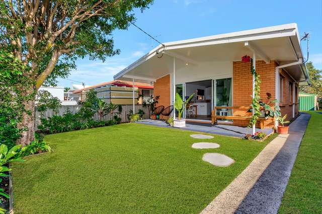 16 Chainey Avenue, Miami QLD 4220
