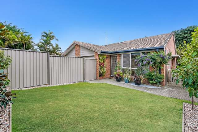 2/124 Oxley Drive, Paradise Point QLD 4216