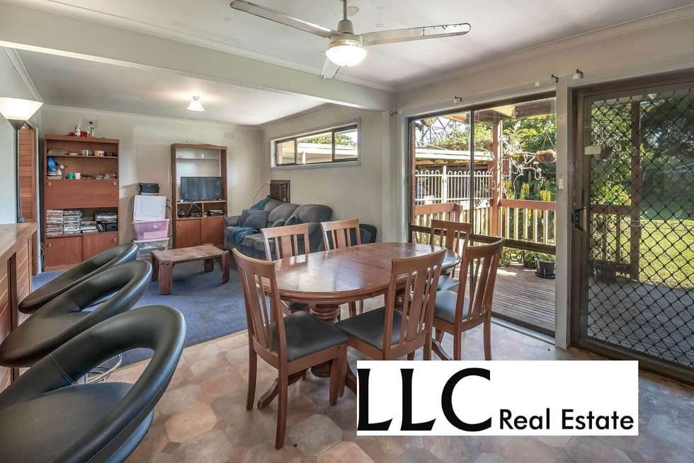 Fifth view of Homely house listing, 17 Whites Lane, Glen Waverley VIC 3150