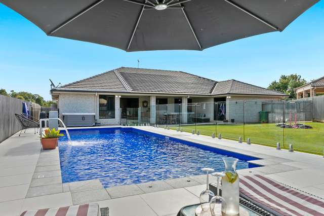13 Daly Place, Redland Bay QLD 4165