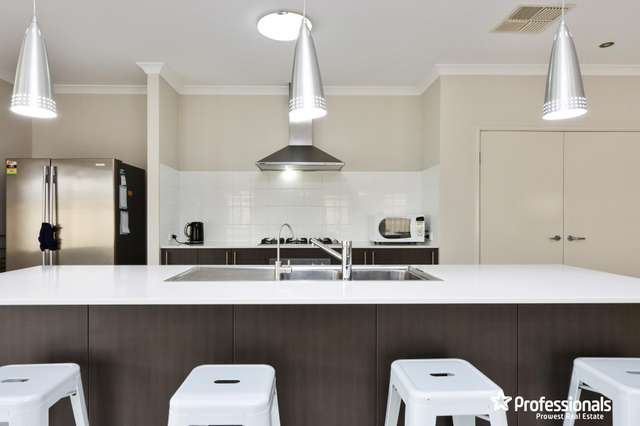 19 Tipperary Bend, Canning Vale WA 6155
