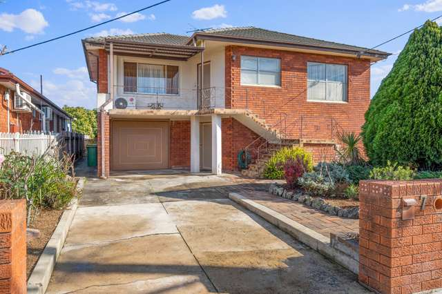 7 Meadows Rd, Cabramatta West NSW 2166