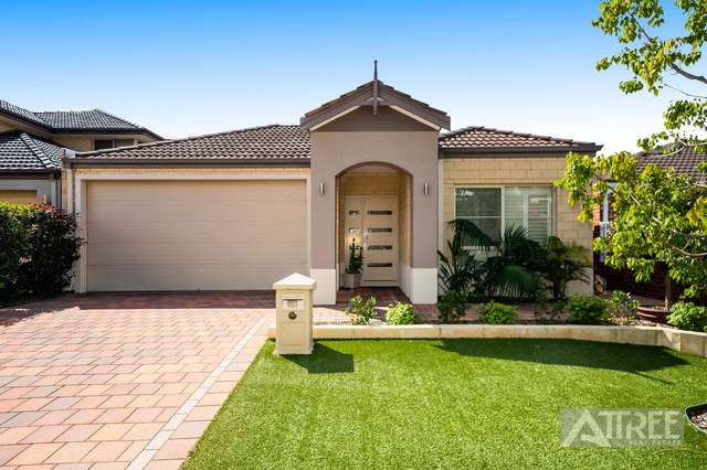 14 Kingsway Gardens, Canning Vale WA 6155