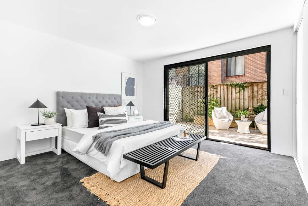Third view of Homely apartment listing, 2/6-8 Onslow Street, Rose Bay NSW 2029