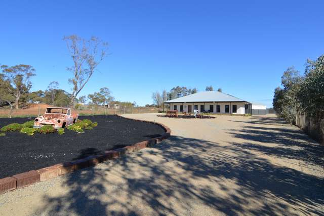 94 Box Avenue, Koorlong VIC 3501