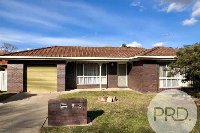 5 Saville Avenue, Lavington NSW 2641